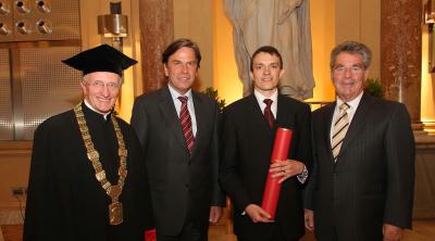 Martin Feldhofer receives his PhD sub auspiciis praesidentis