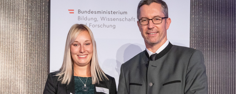 Barbara Gigerl Receives Award for Outstanding Master